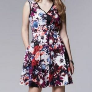Simply Vera Floral Dress POCKETS!